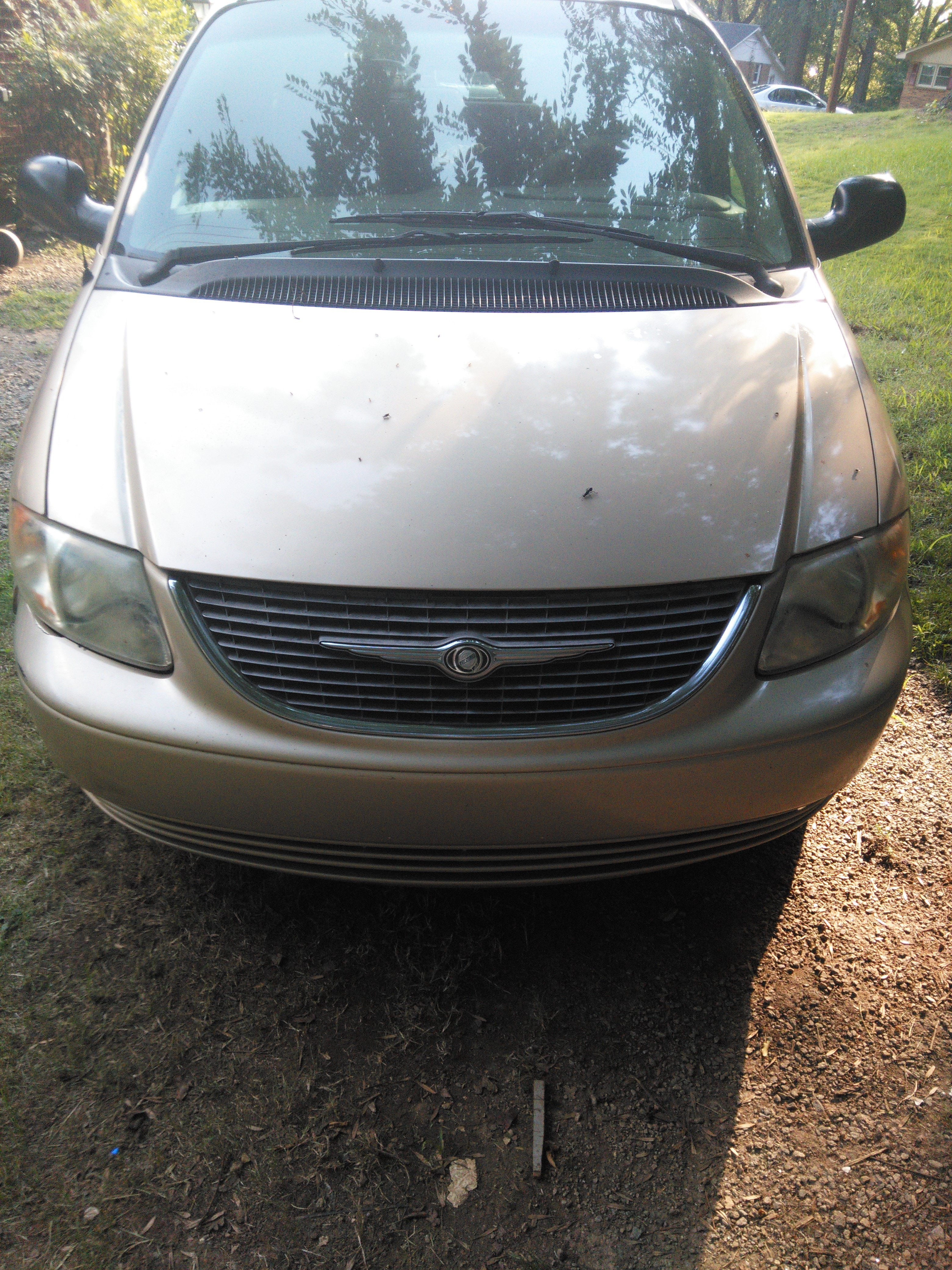Junk 2000 Chrysler Town & Country in Greensboro