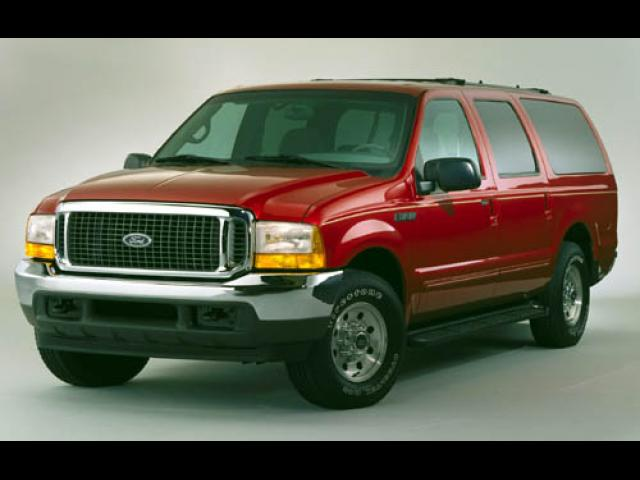 Junk 2000 Ford Excursion in Harvard