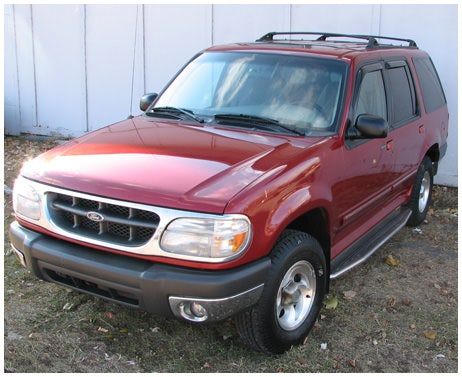 Junk 2000 Ford Explorer in Cheshire