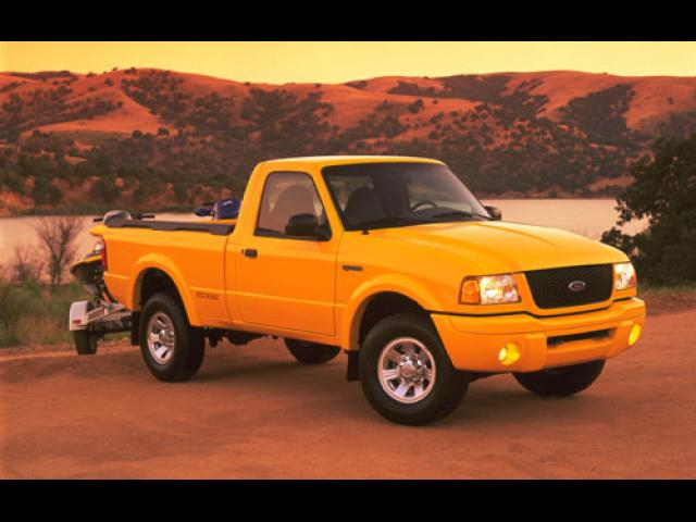 Junk 2000 Ford Ranger in Morongo Valley