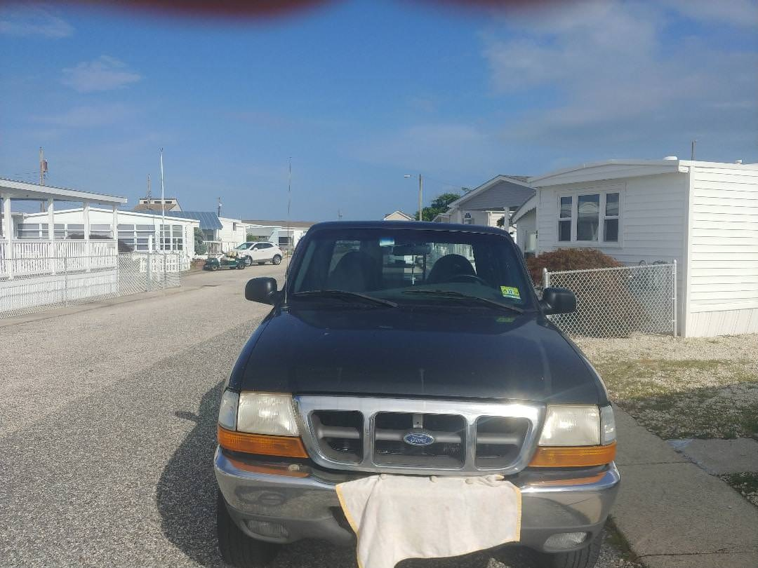 Junk 2000 Ford Ranger in Wildwood
