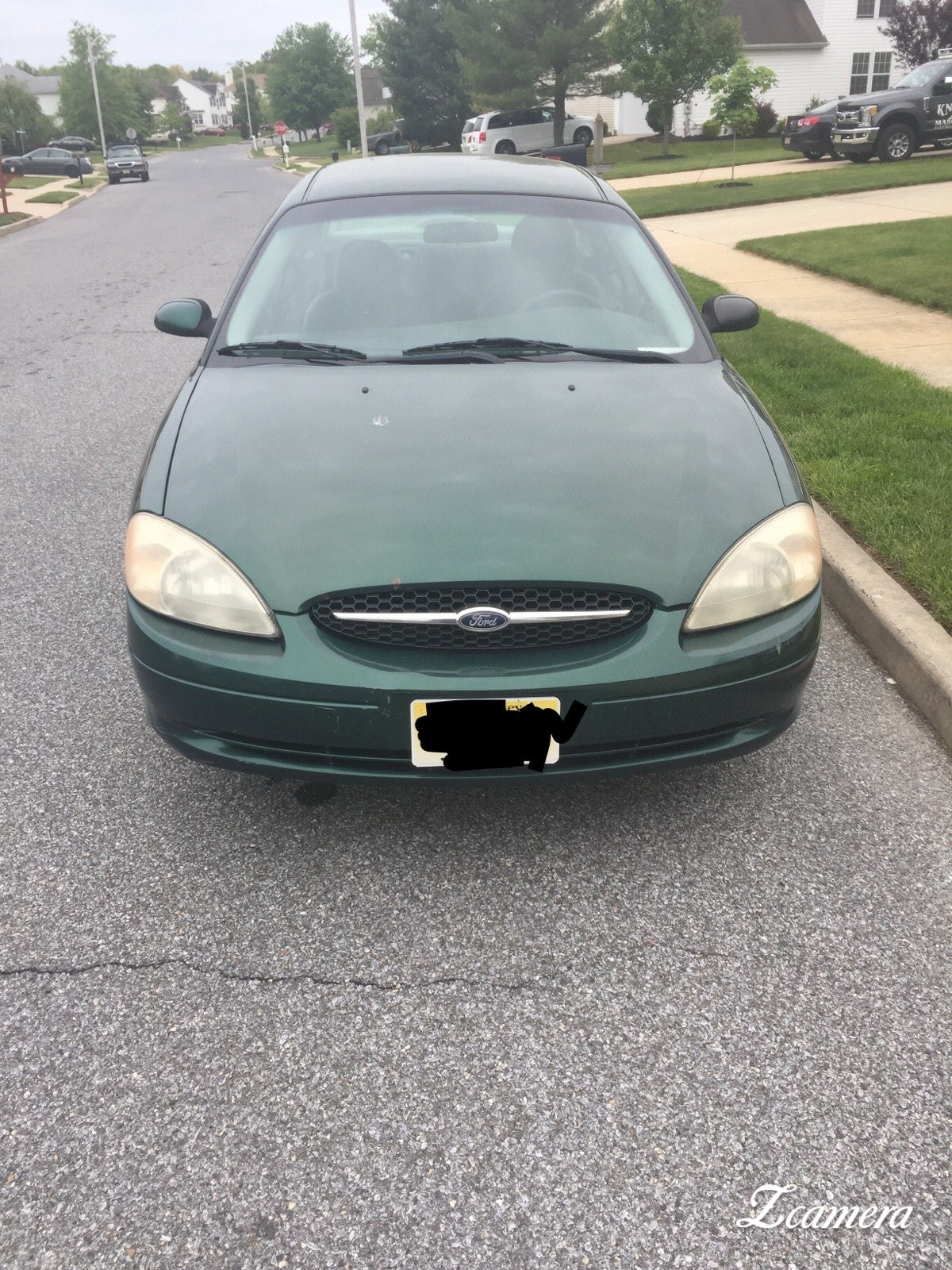 Junk 2000 Ford Taurus in Sicklerville