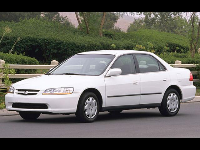 Junk 2000 Honda Accord in Holiday