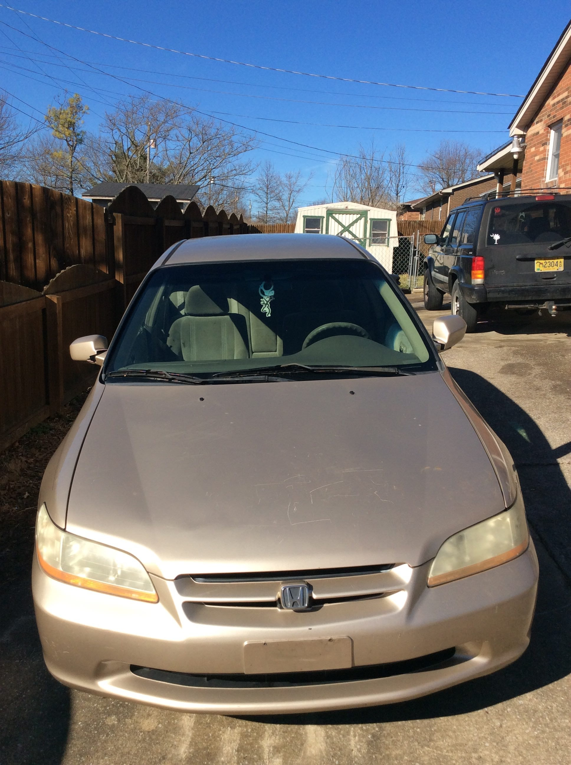 Junk 2000 Honda Accord in Nicholasville