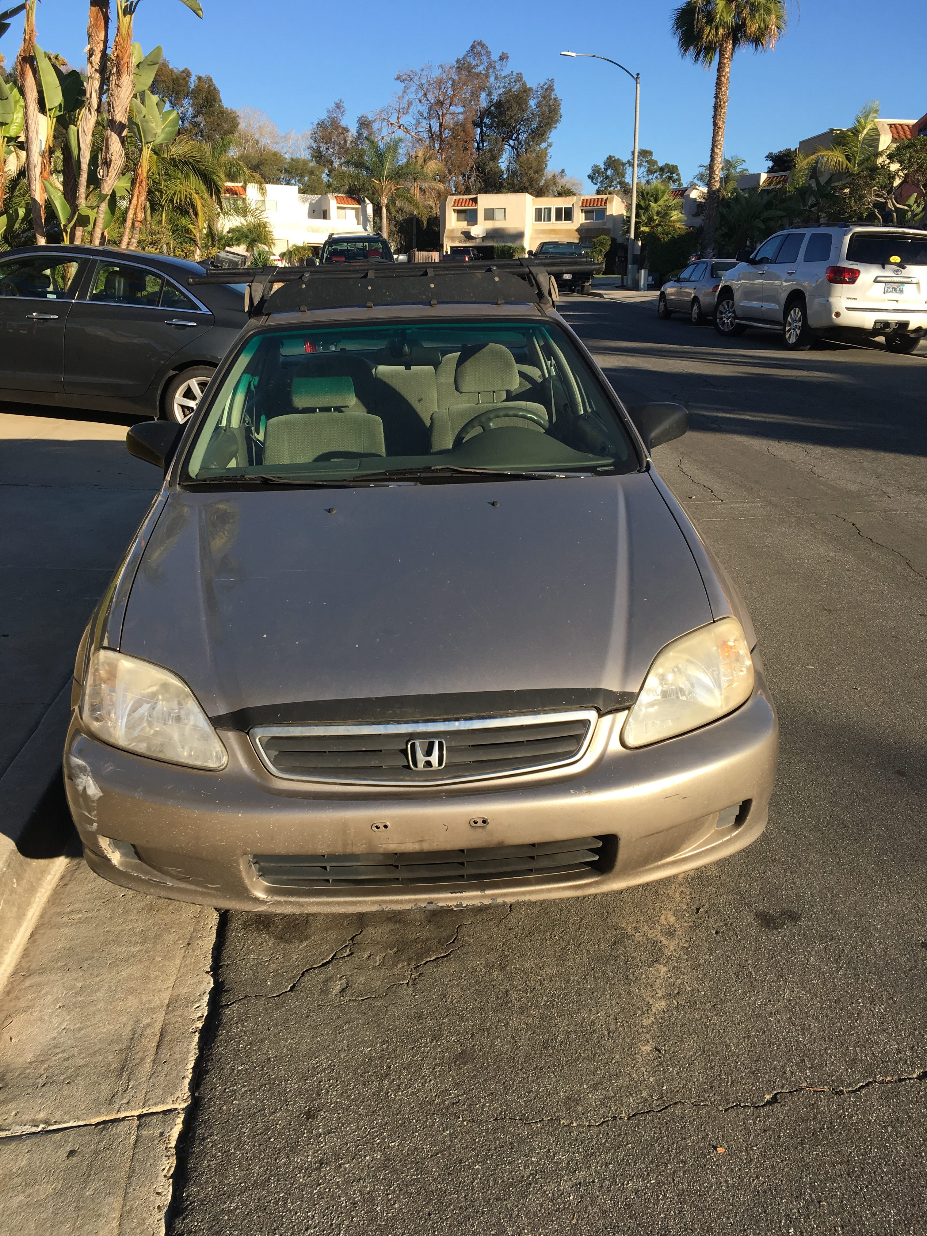 Junk 2000 Honda Civic in Solana Beach