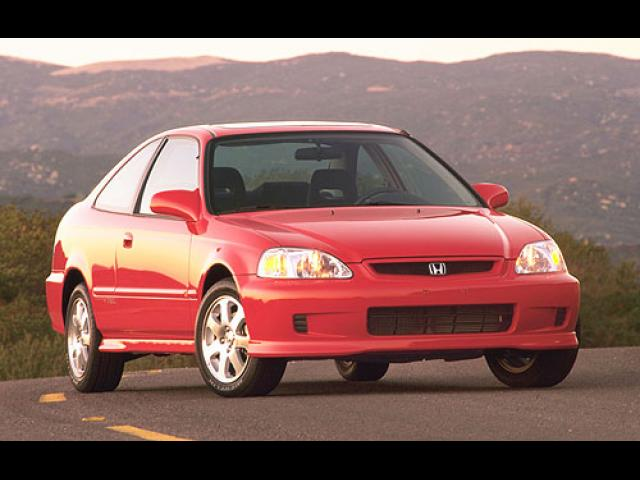 Junk 2000 Honda Civic in Yucca Valley