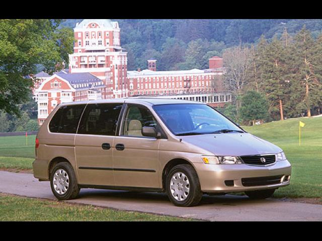 Junk 2000 Honda Odyssey in North Ridgeville
