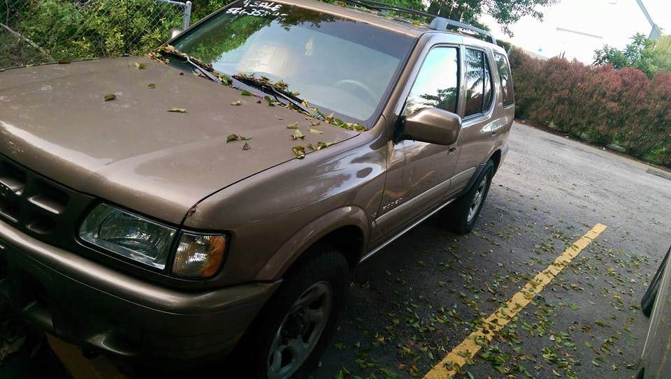 Junk 2000 Isuzu Rodeo in Boca Raton