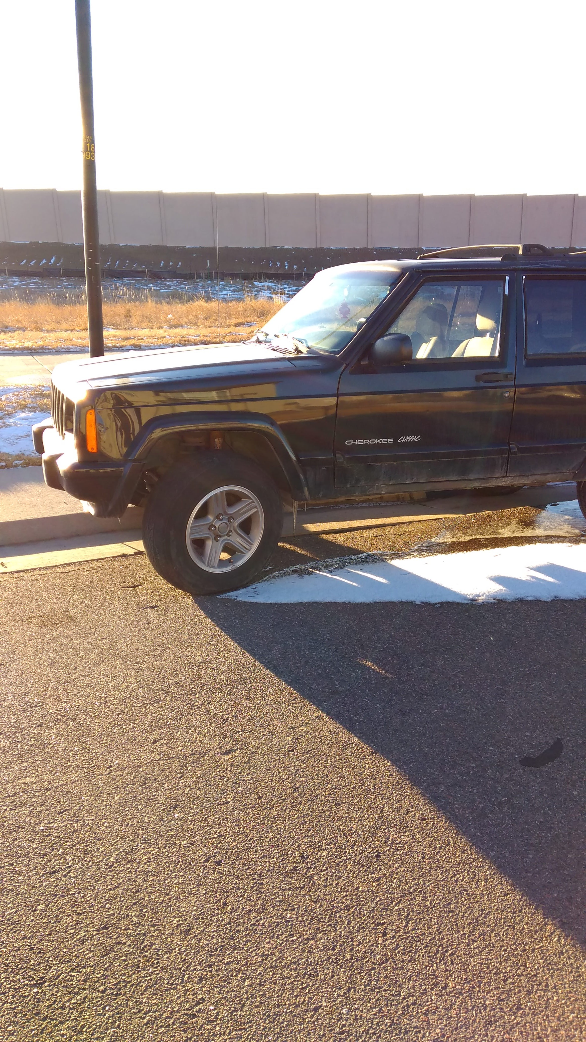 Junk 2000 Jeep Cherokee in Thornton