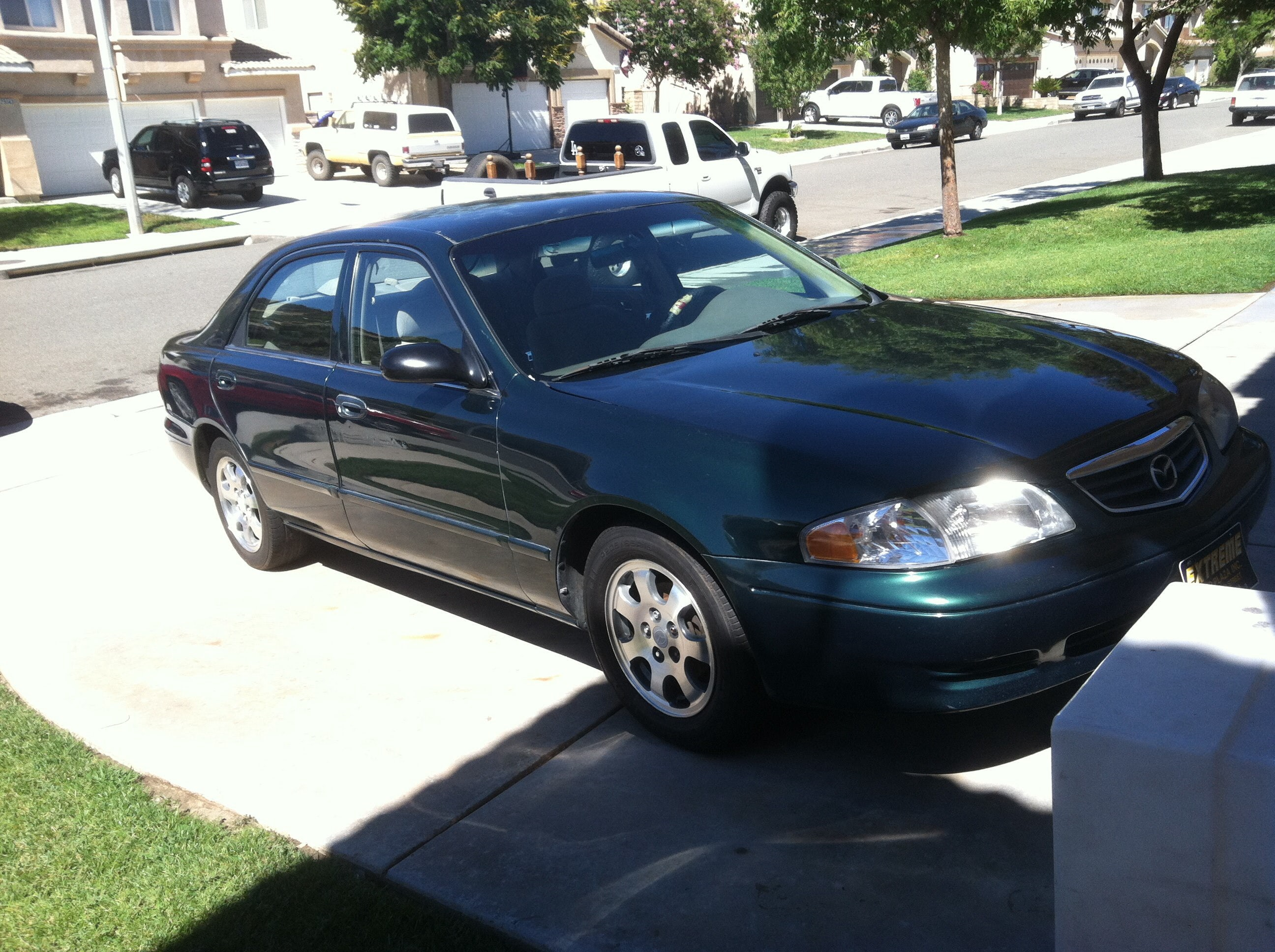 Junk 2000 Mazda 626 in Castaic