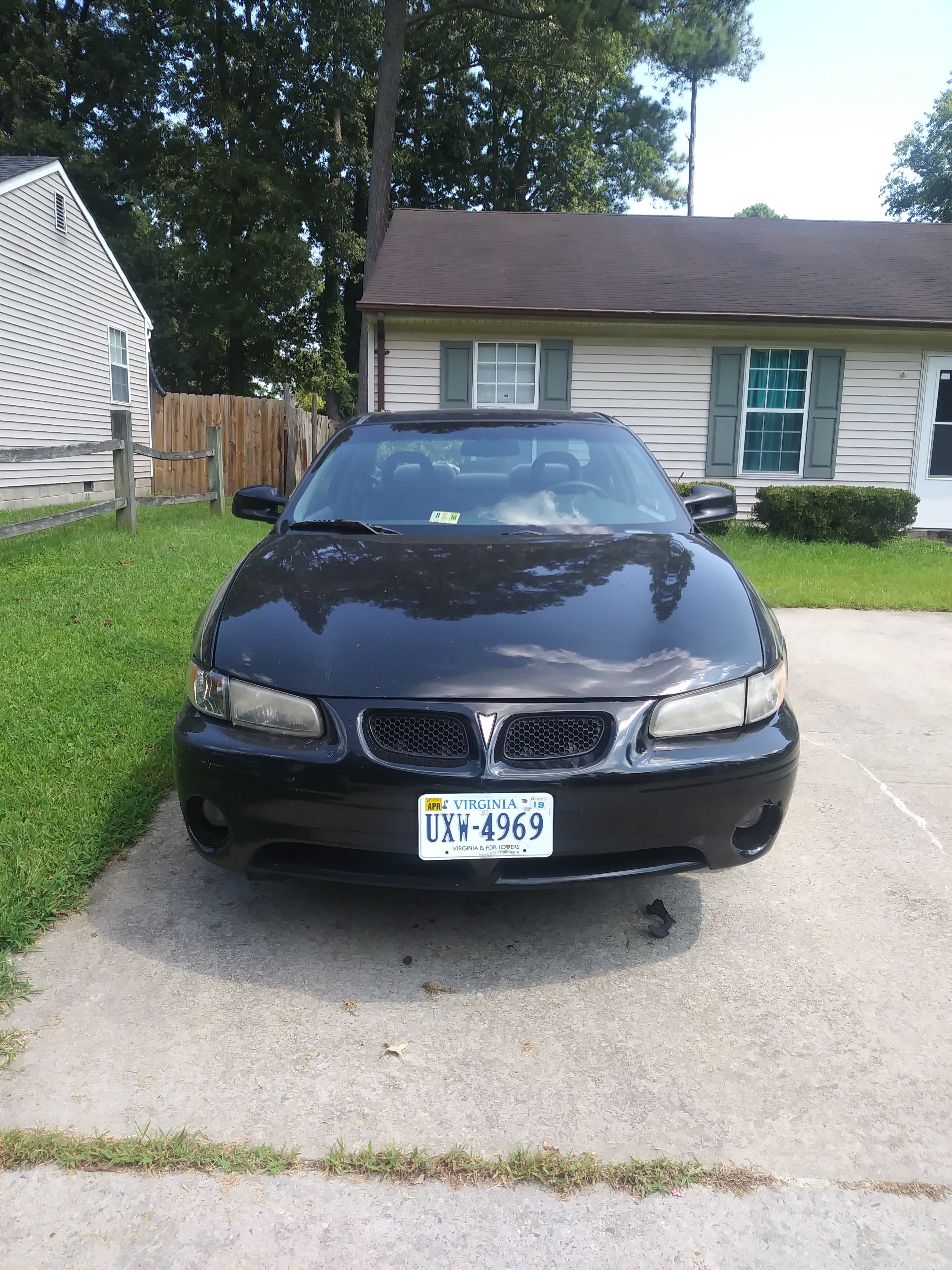 Junk 2000 Pontiac Grand Prix in Virginia Beach