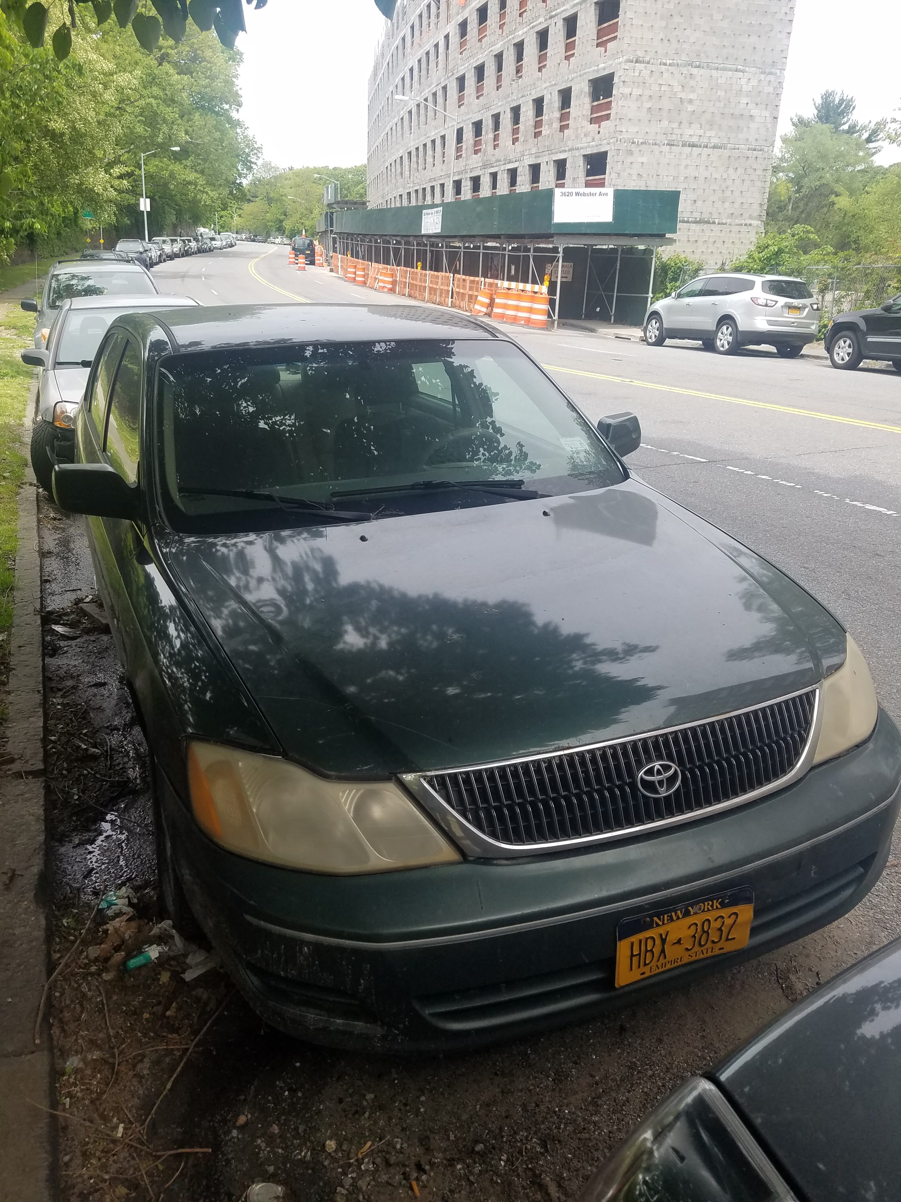 Junk 2000 Toyota Avalon in Bronx