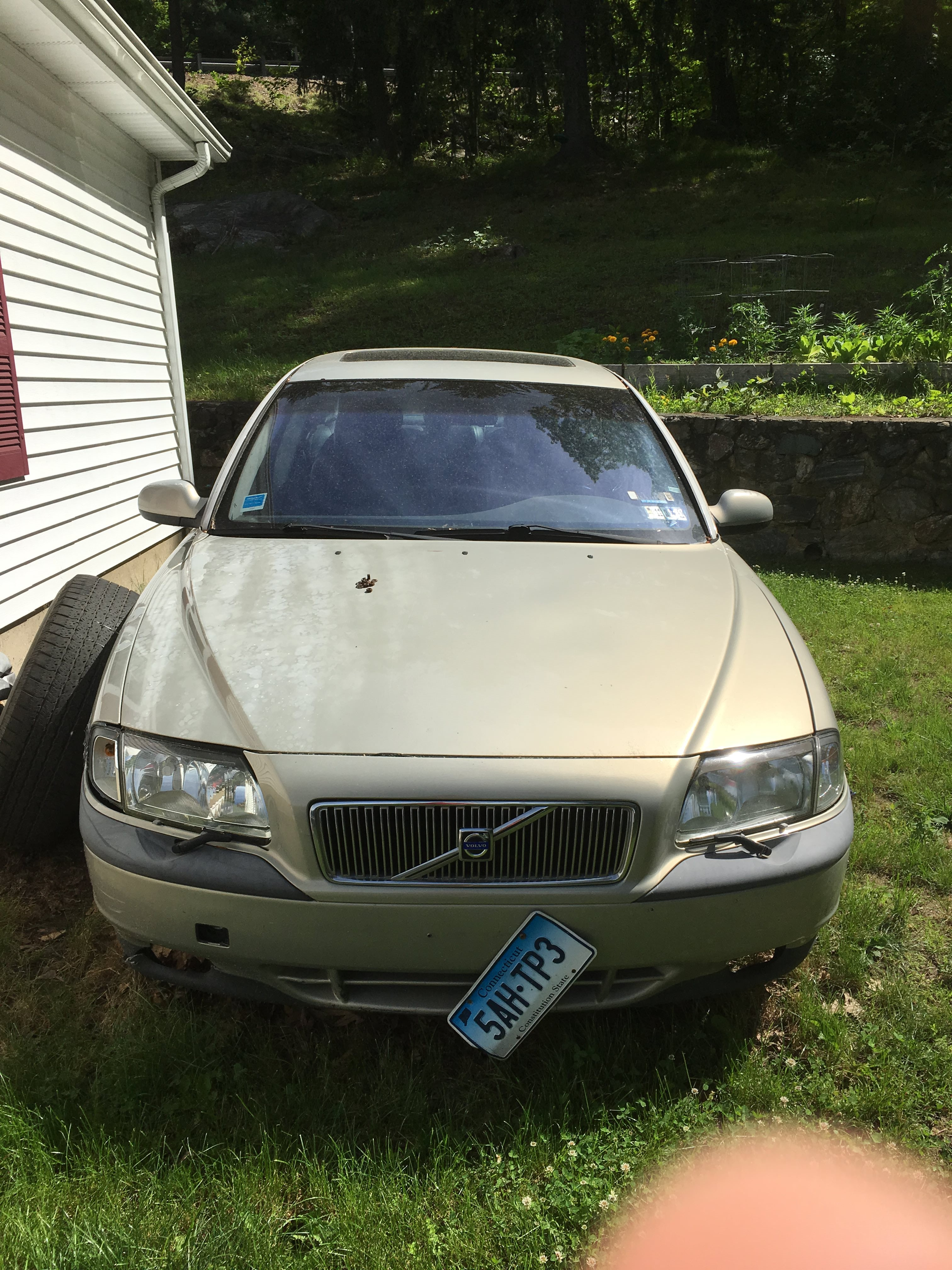 Junk 2000 Volvo S80 in Middlebury