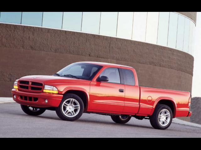 Junk 2001 Dodge Dakota in Westbrook