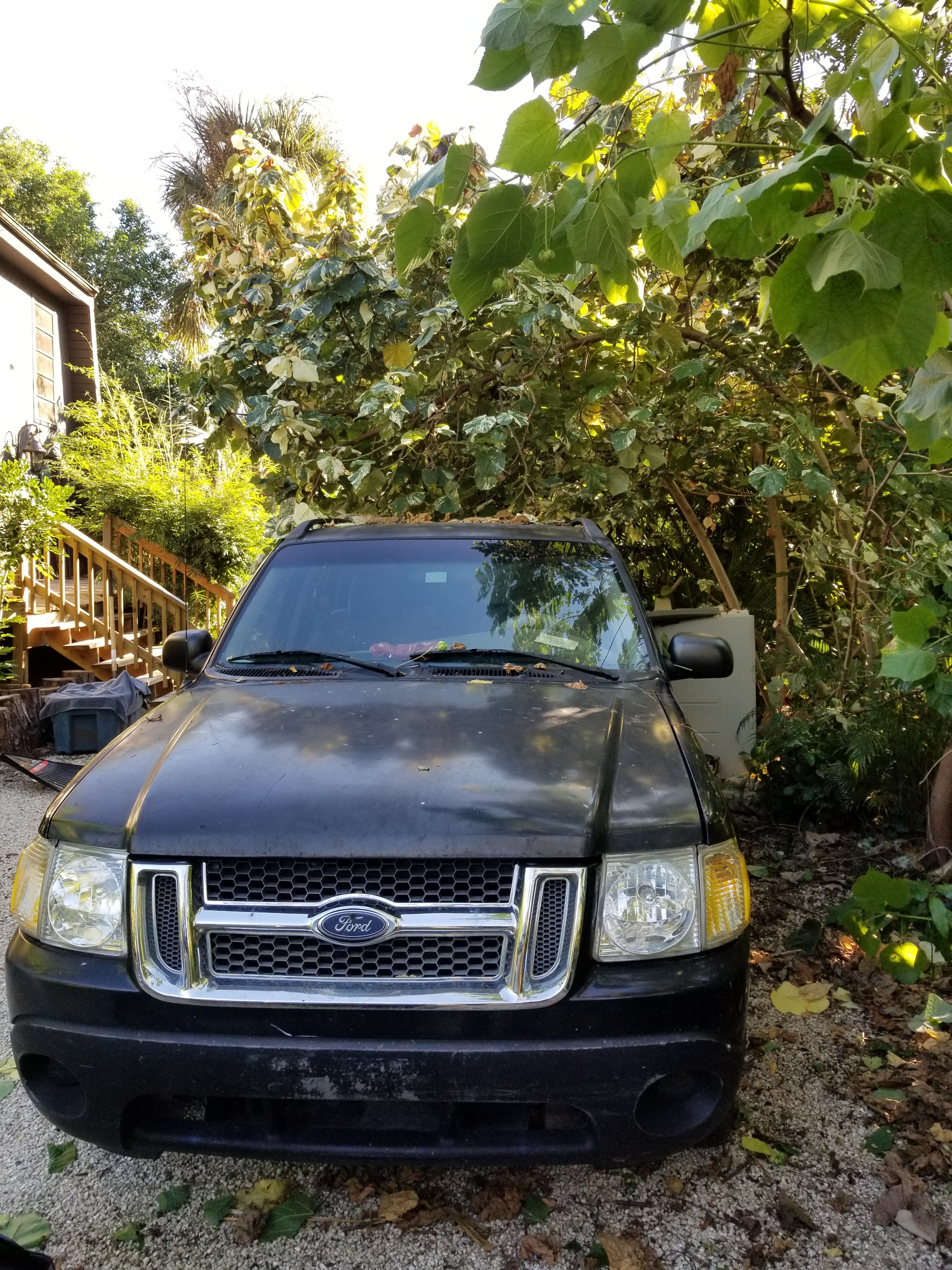 Junk 2001 Ford Explorer Sport Trac in Saint James City