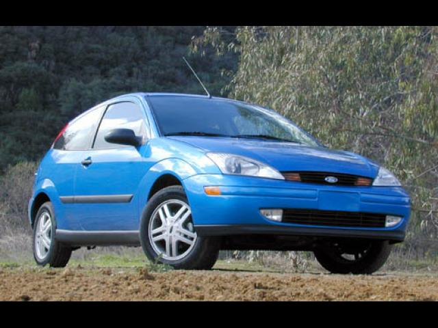 Junk 2001 Ford Focus in Chino