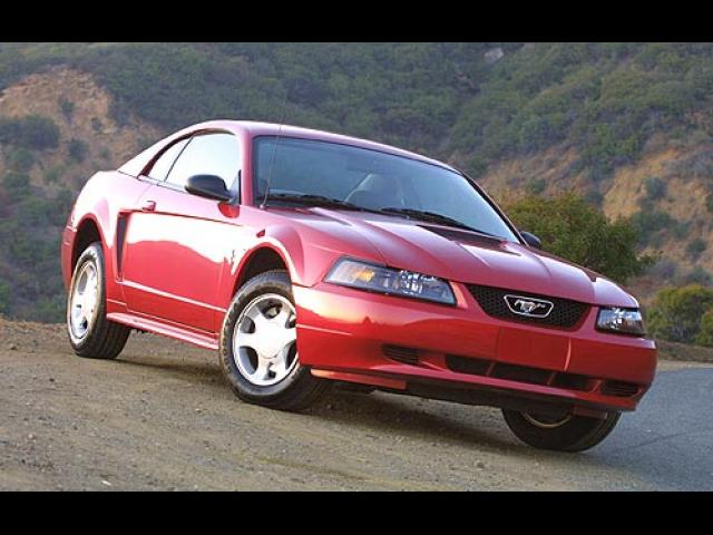 Junk 2001 Ford Mustang in New Port Richey