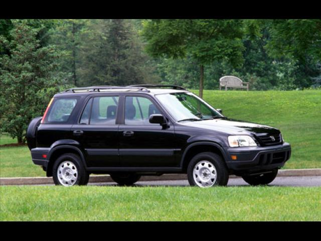 Junk 2001 Honda CR-V in Battle Creek