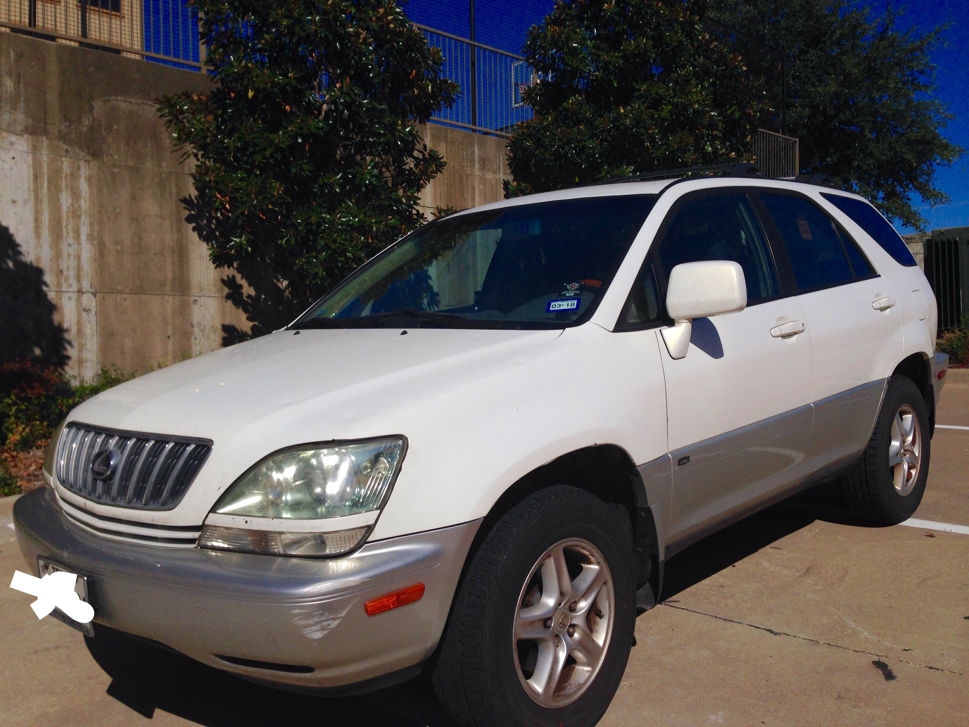Junk 2001 Lexus RX in Rockwall