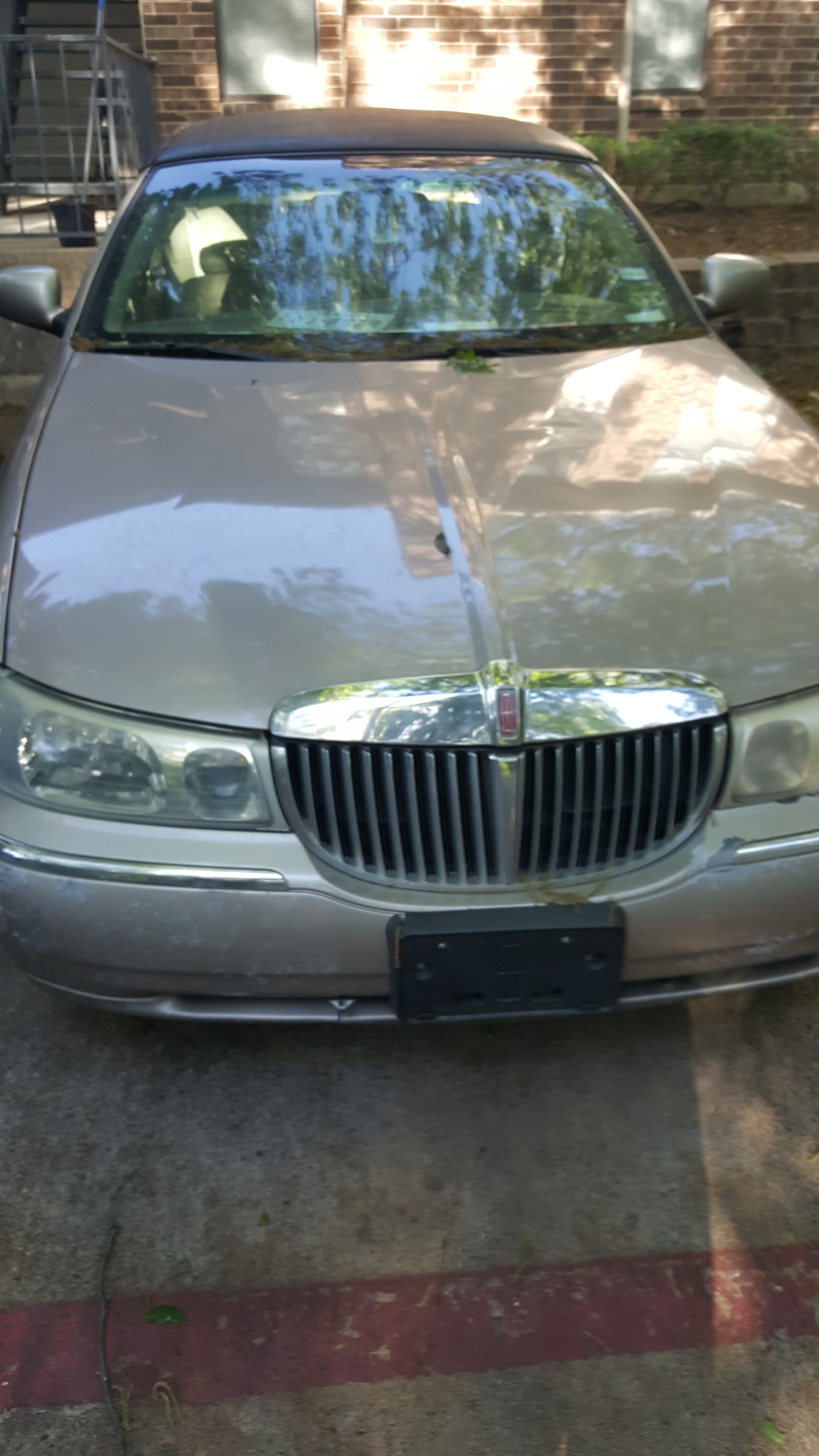 Junk 2001 Lincoln Continental in Frisco