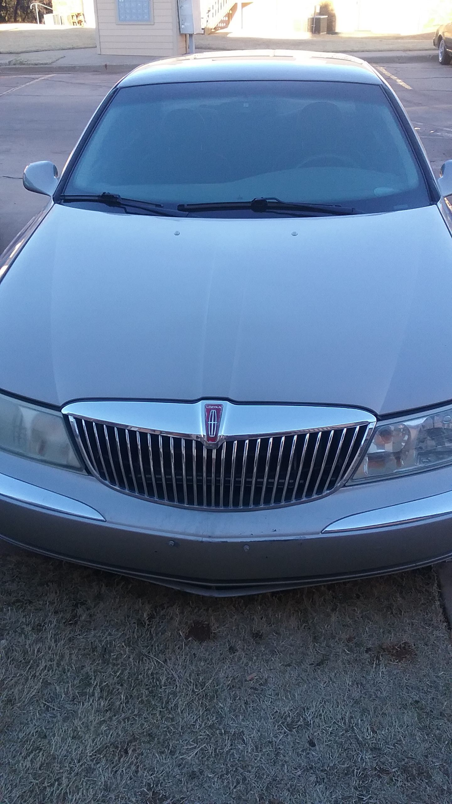 Junk 2001 Lincoln Continental in Oklahoma City
