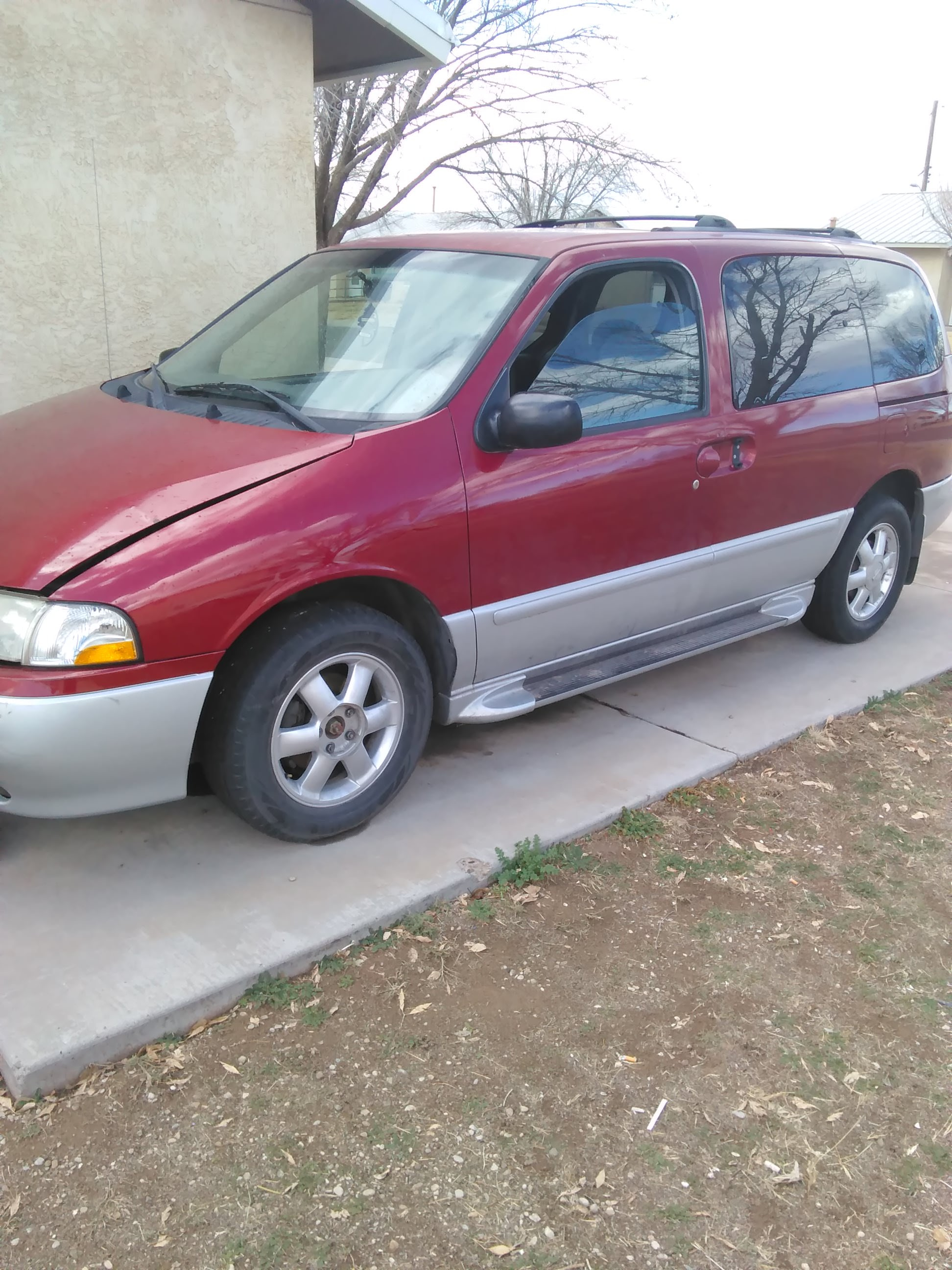 Junk 2001 Nissan Quest in Roswell