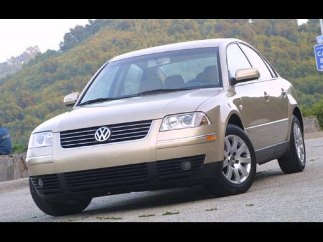 Junk 2001 Volkswagen Passat in Canyon Country
