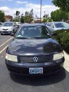 Junk 2001 Volkswagen Passat in Orange