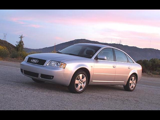 Junk 2002 Audi A6 in Fairburn