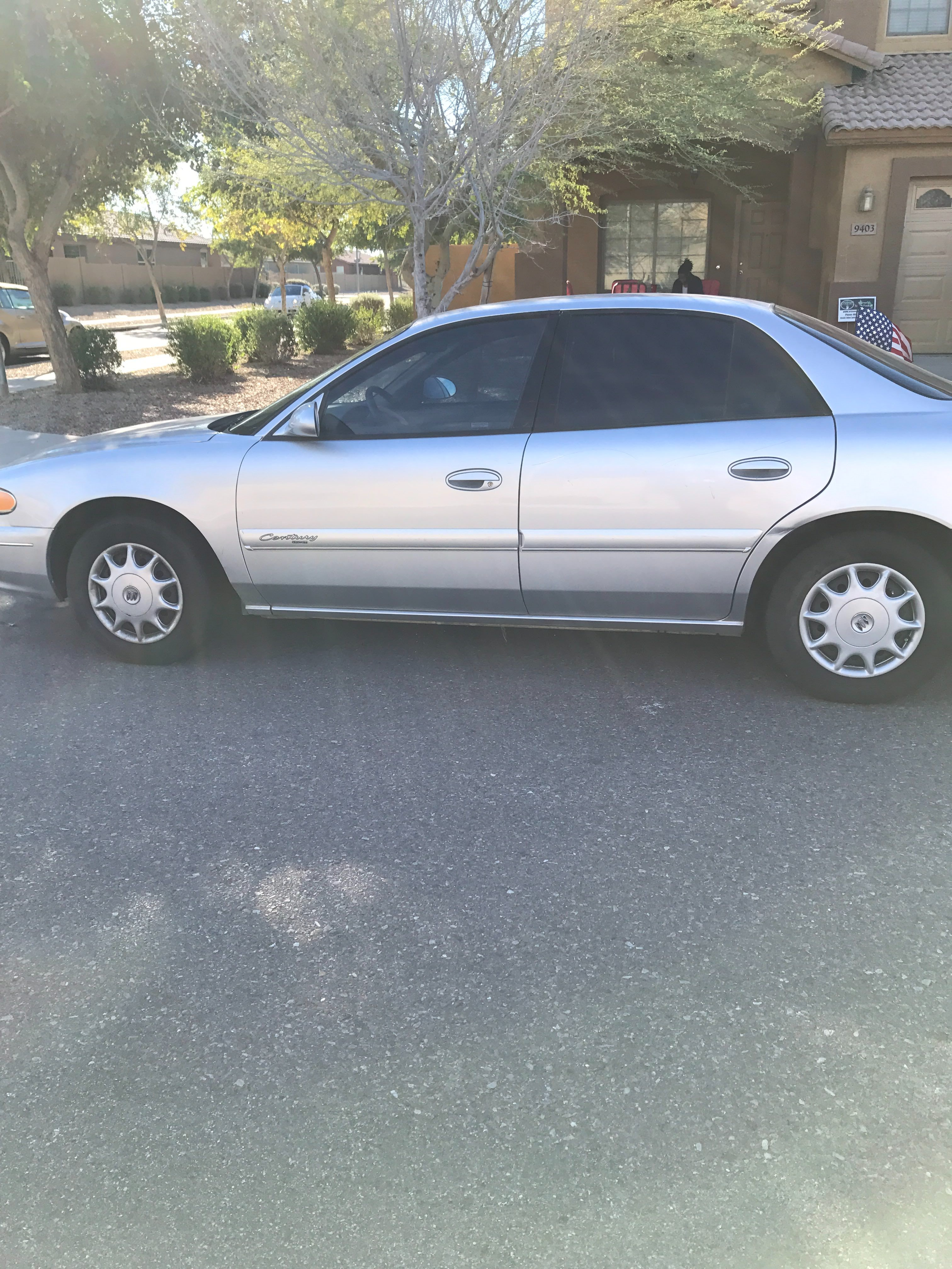 Junk 2002 Buick Century in Tolleson