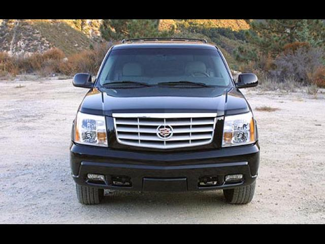 Junk 2002 Cadillac Escalade in Sterling