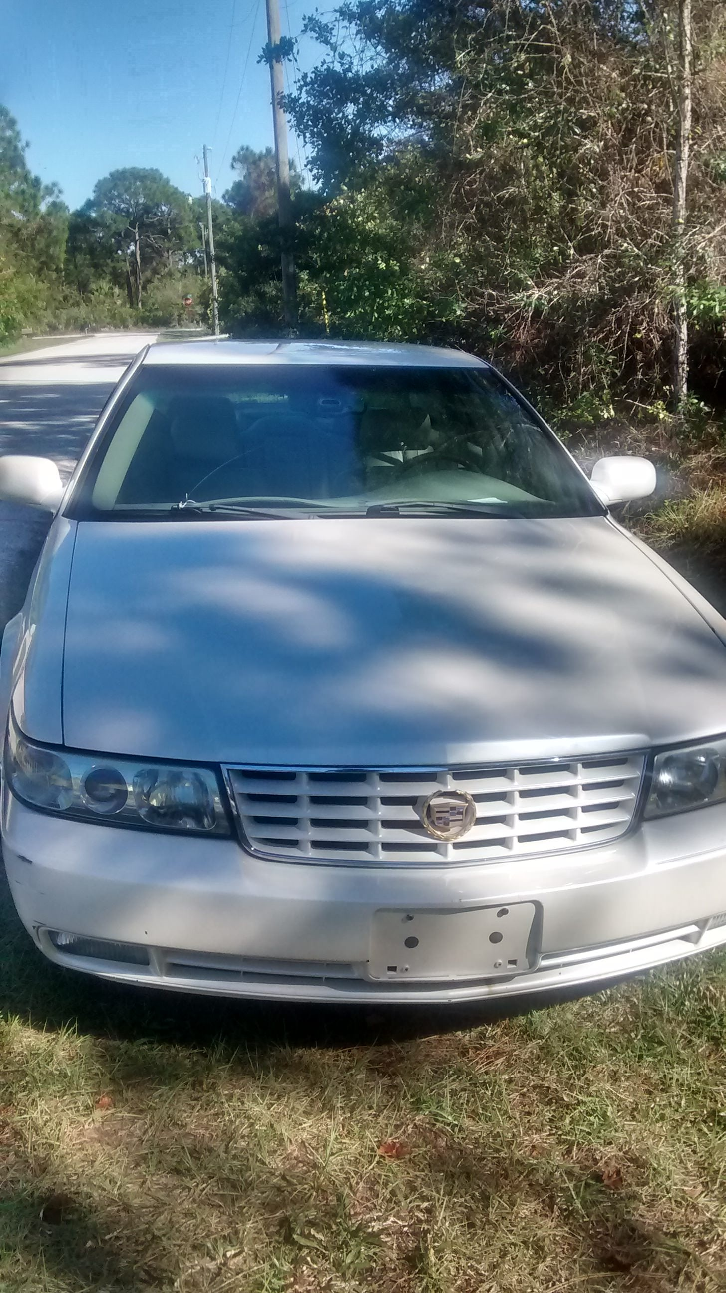 Junk 2002 Cadillac Seville in Port Charlotte