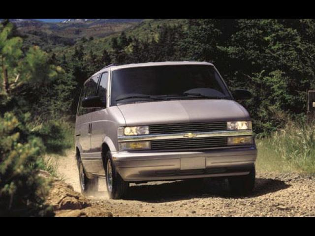 Junk 2002 Chevrolet Astro in Lake Hiawatha