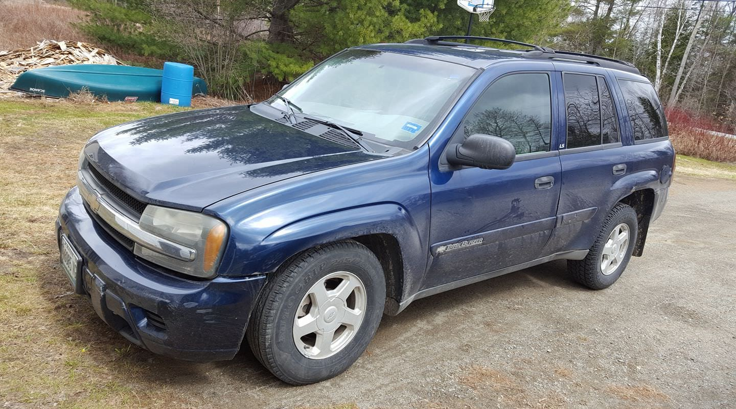 Junk 2002 Chevrolet TrailBlazer in Waterville