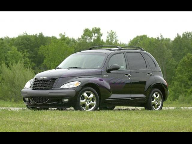 Junk 2002 Chrysler PT Cruiser in Wichita