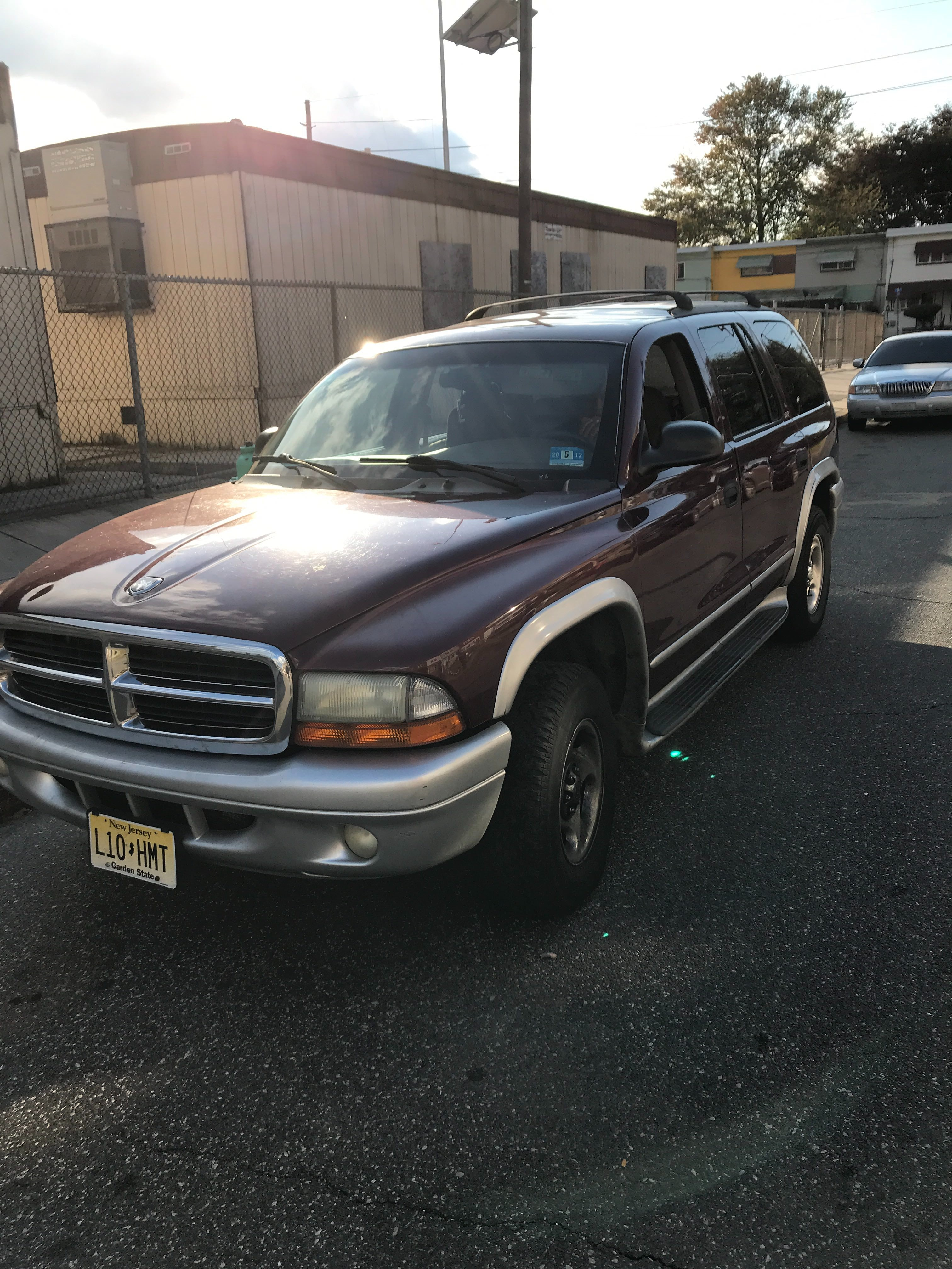 Junk 2002 Dodge Durango in Oaklyn