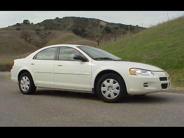 Junk 2002 Dodge Stratus in Roseville