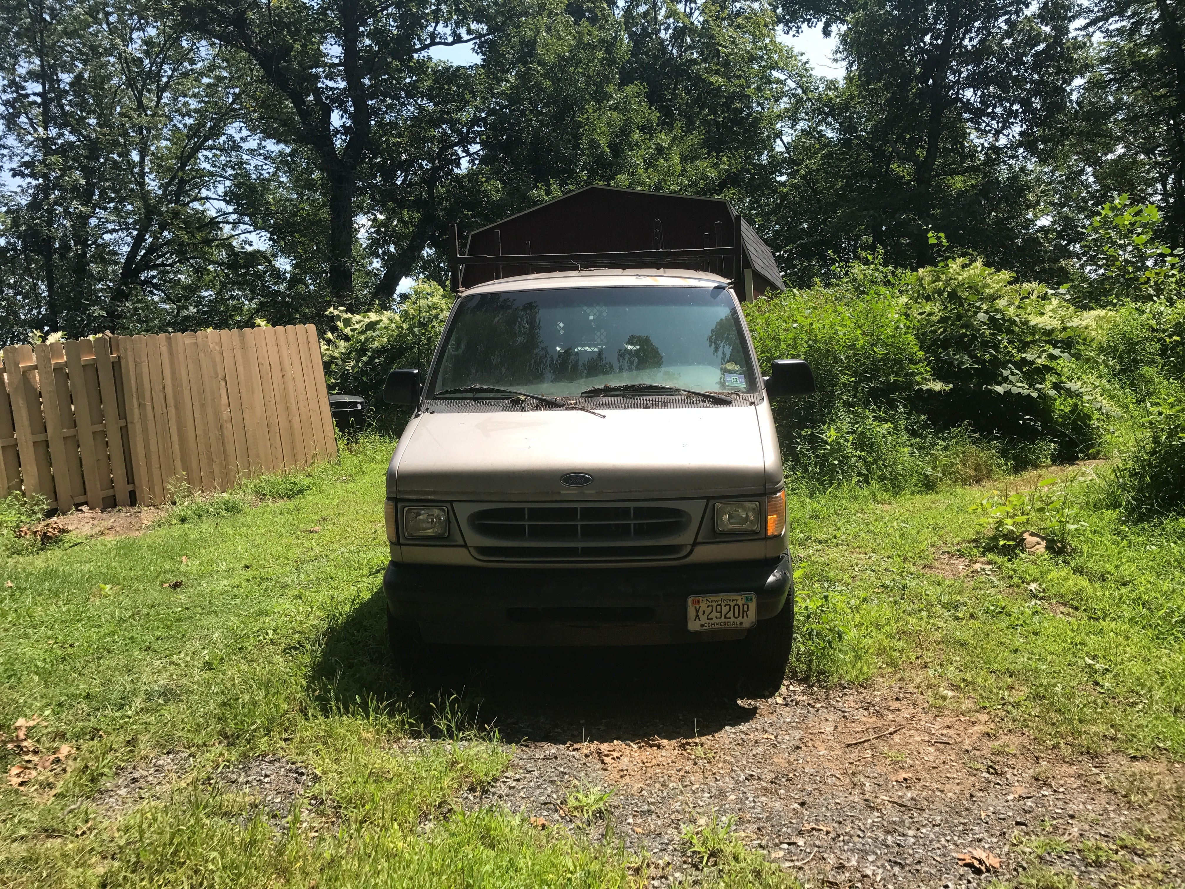 Junk 2002 Ford Econoline in Long Valley
