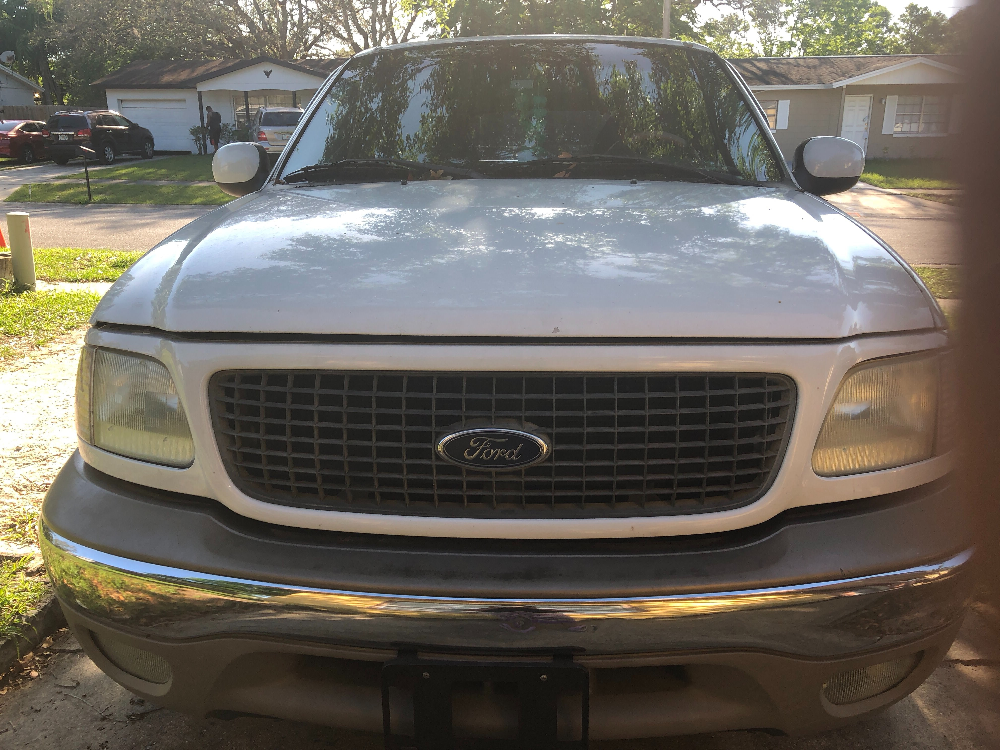 Junk 2002 Ford Expedition in Orlando