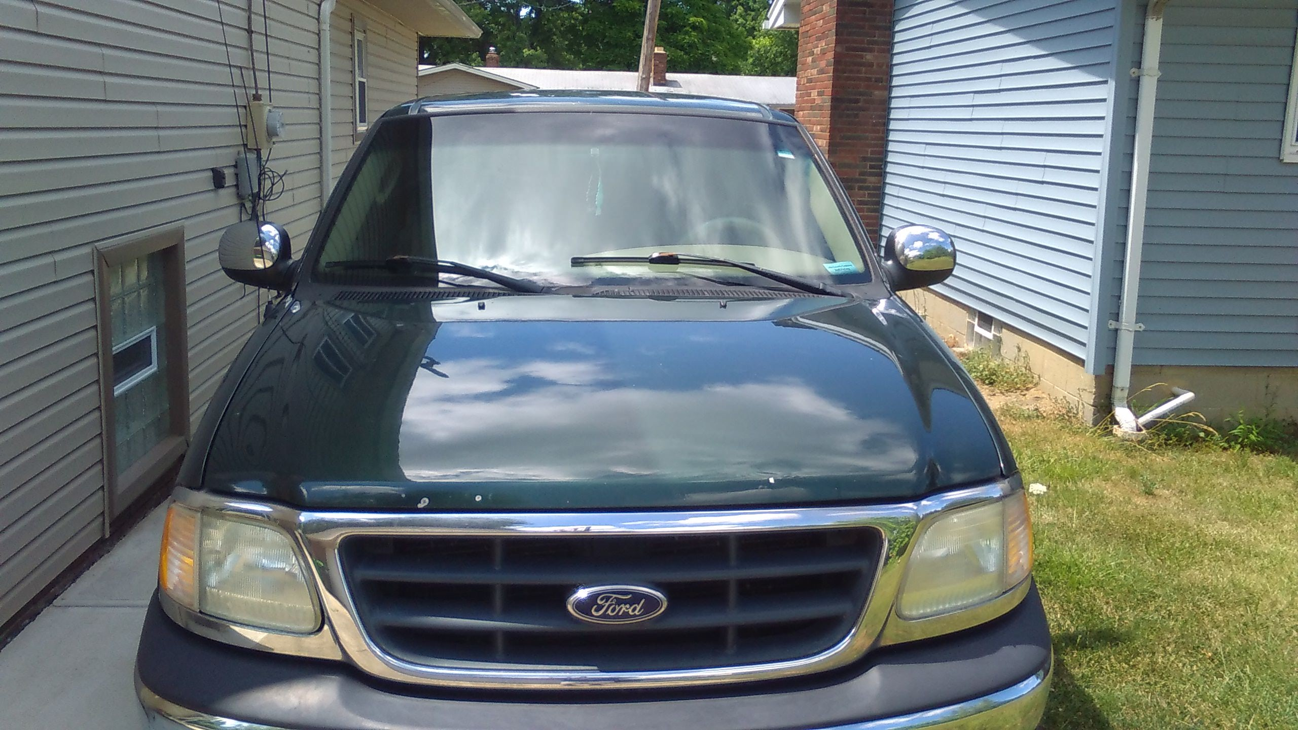 Junk 2002 Ford F150 in Wickliffe