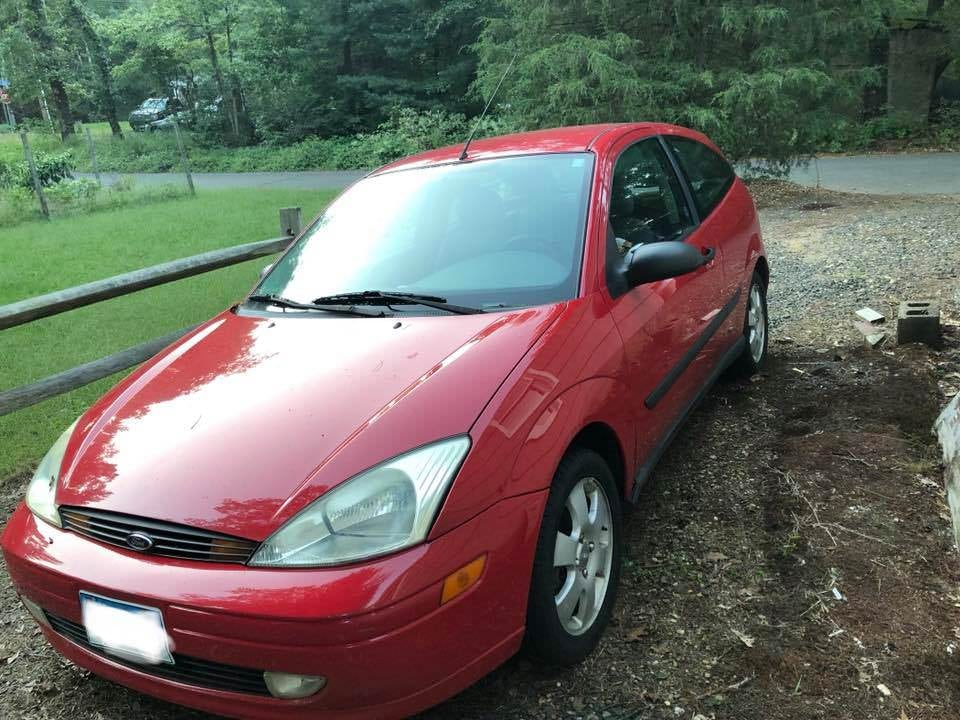 Junk 2002 Ford Focus in Southbury