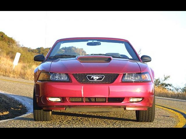 Junk 2002 Ford Mustang in Ormond Beach