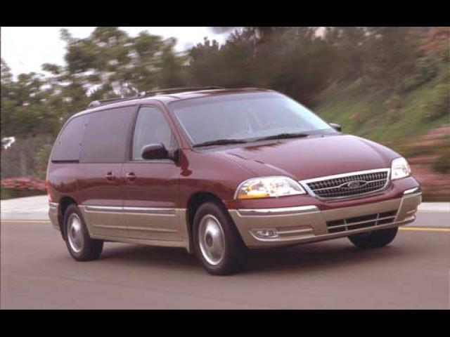 Junk 2002 Ford Windstar in North Bergen