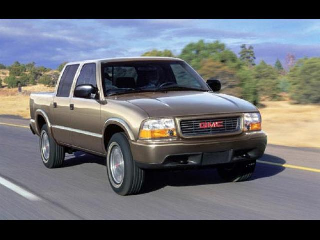 Junk 2002 GMC Sonoma in Tolland