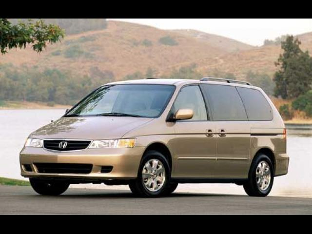 Junk 2002 Honda Odyssey in North Vernon