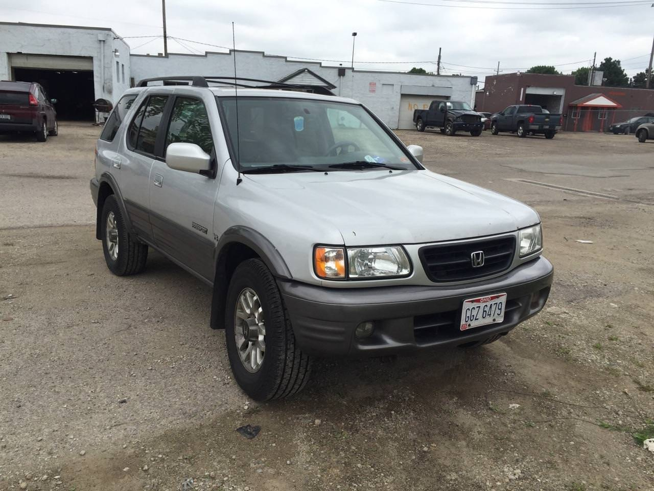 Junk 2002 Honda Passport in Columbus