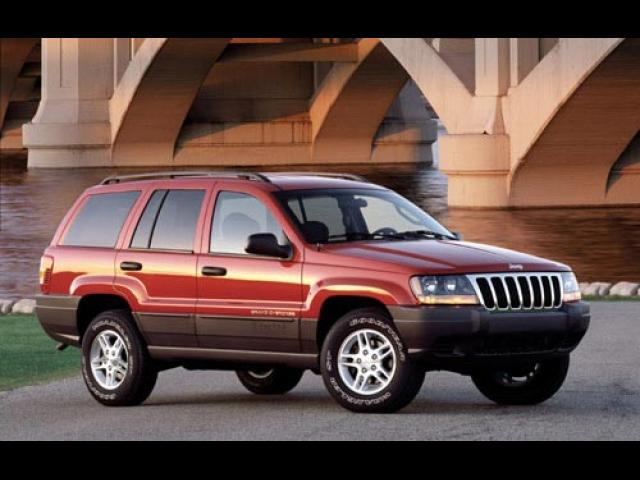 Junk 2002 Jeep Grand Cherokee in Barre