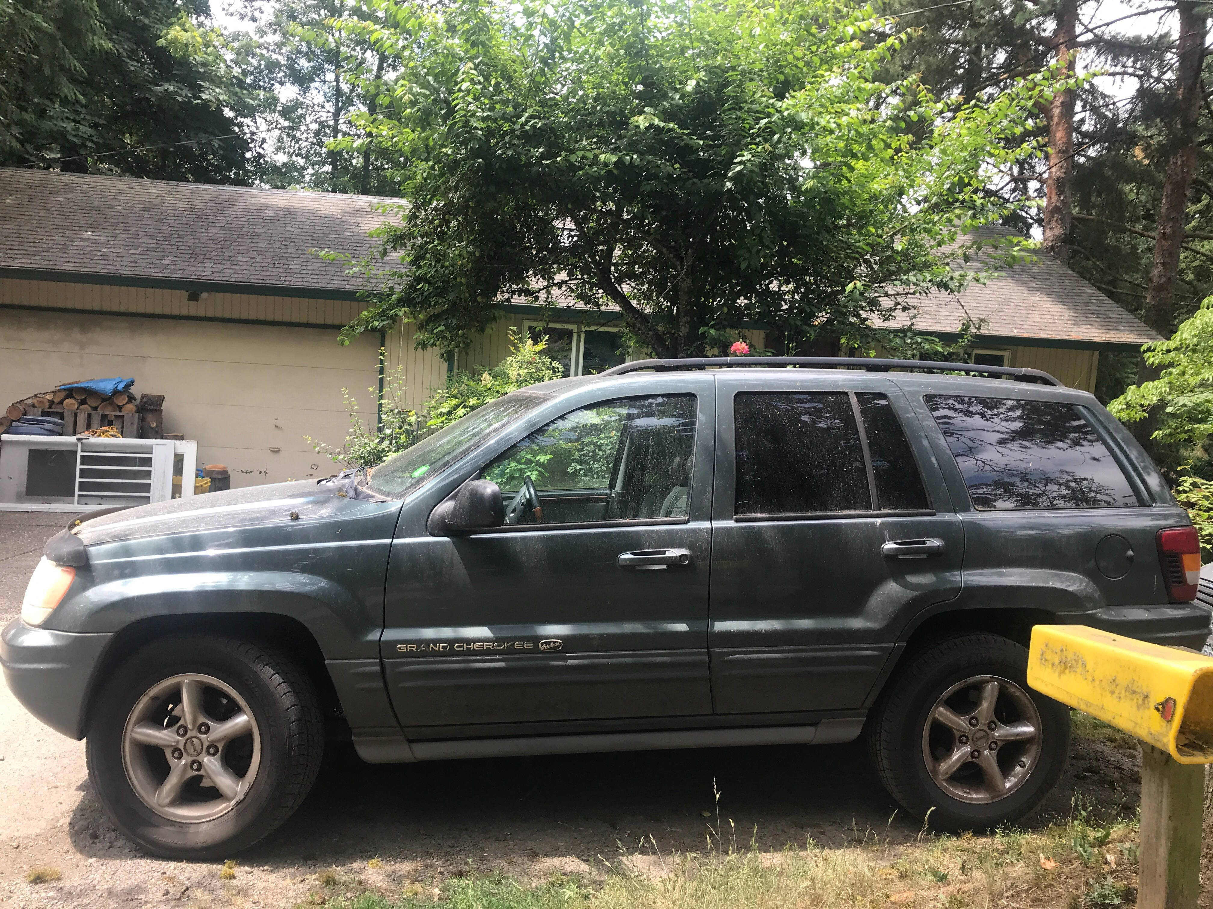Junk 2002 Jeep Grand Cherokee in Portland