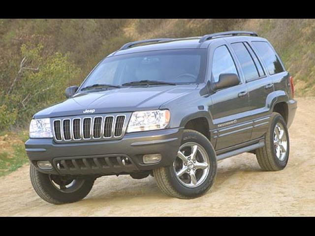 Junk 2002 Jeep Grand Cherokee in Simi Valley