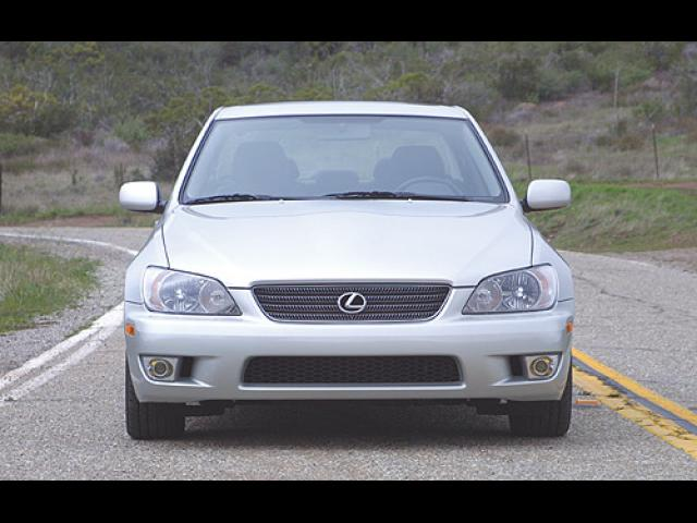 Junk 2002 Lexus IS in San Jose